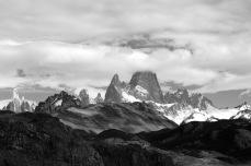 Paisajes: Montañas tocando el cielo