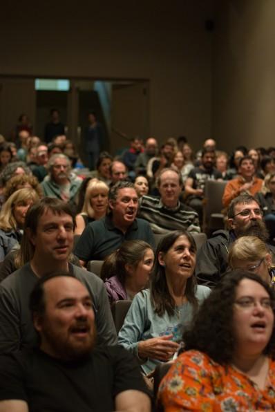 Momentos: El público canta